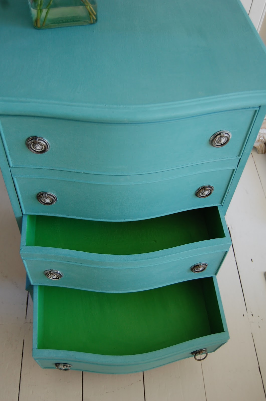 shades of amber chalk paint color theory antibes green. Black Bedroom Furniture Sets. Home Design Ideas