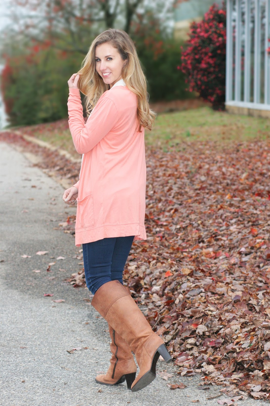 simple-layers-long-sweater-and-heeled-riding-boots
