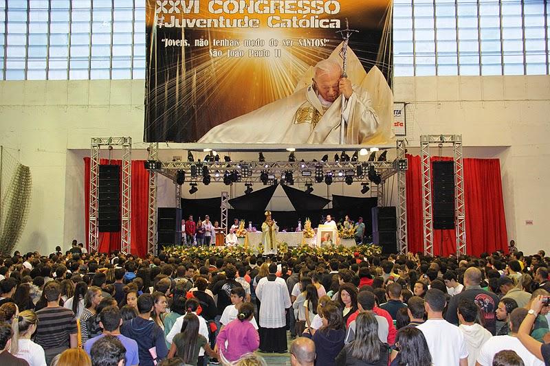 Ponto central do congresso, a missa foi presidida pelo bispo diocesano, Dom Gregório Paixão, e celebrada por vários padres