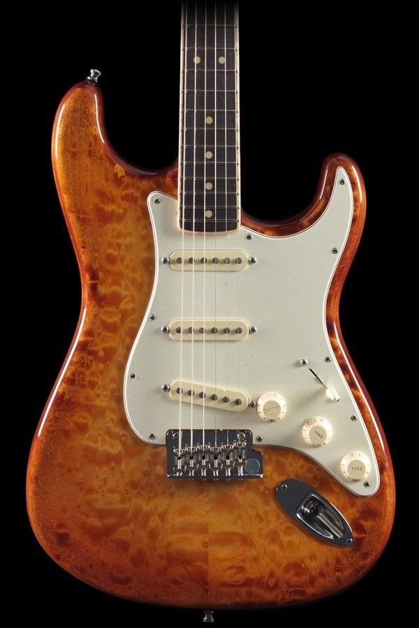 Fender Select Quilt Tea Burst Stratocaster