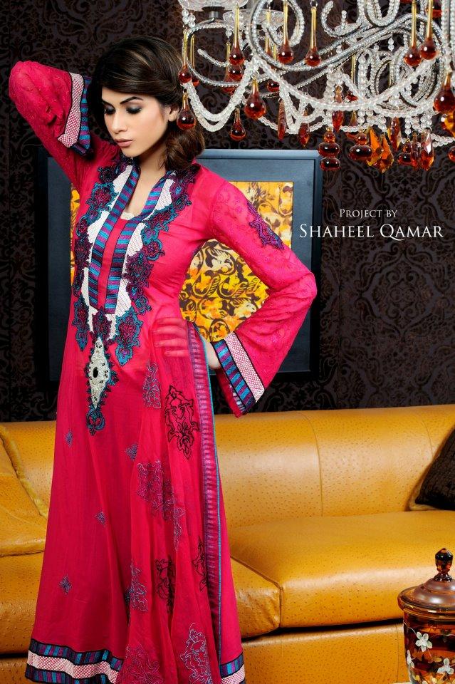 Shaista Wahidi Lawn Red Pink