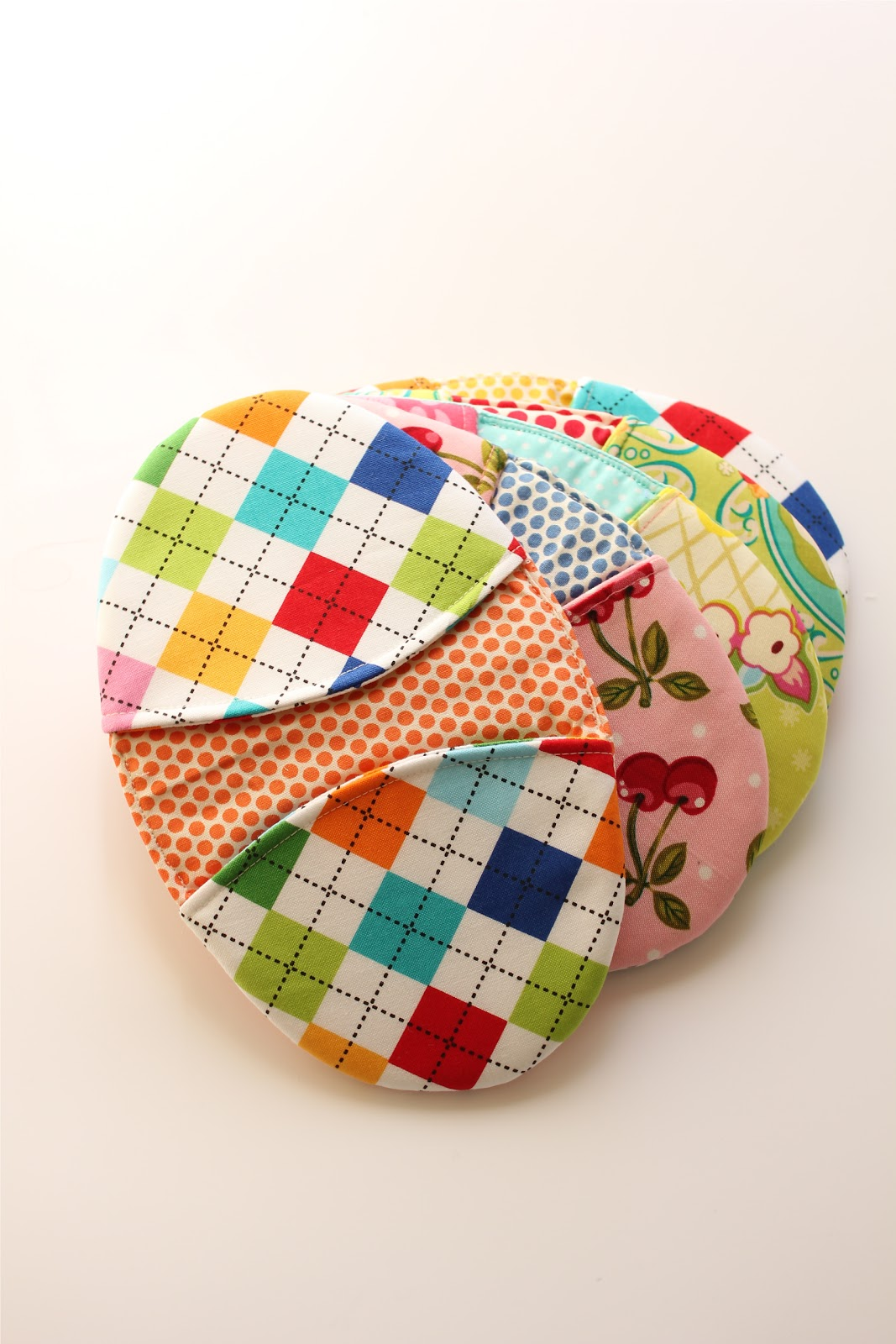 The highest quality sewing videos you'll find on the web today. Learn how to sew from instructors that are experienced in the arts of both sewing AND teaching. Hundreds of sewing videos, sewing tutorials .
