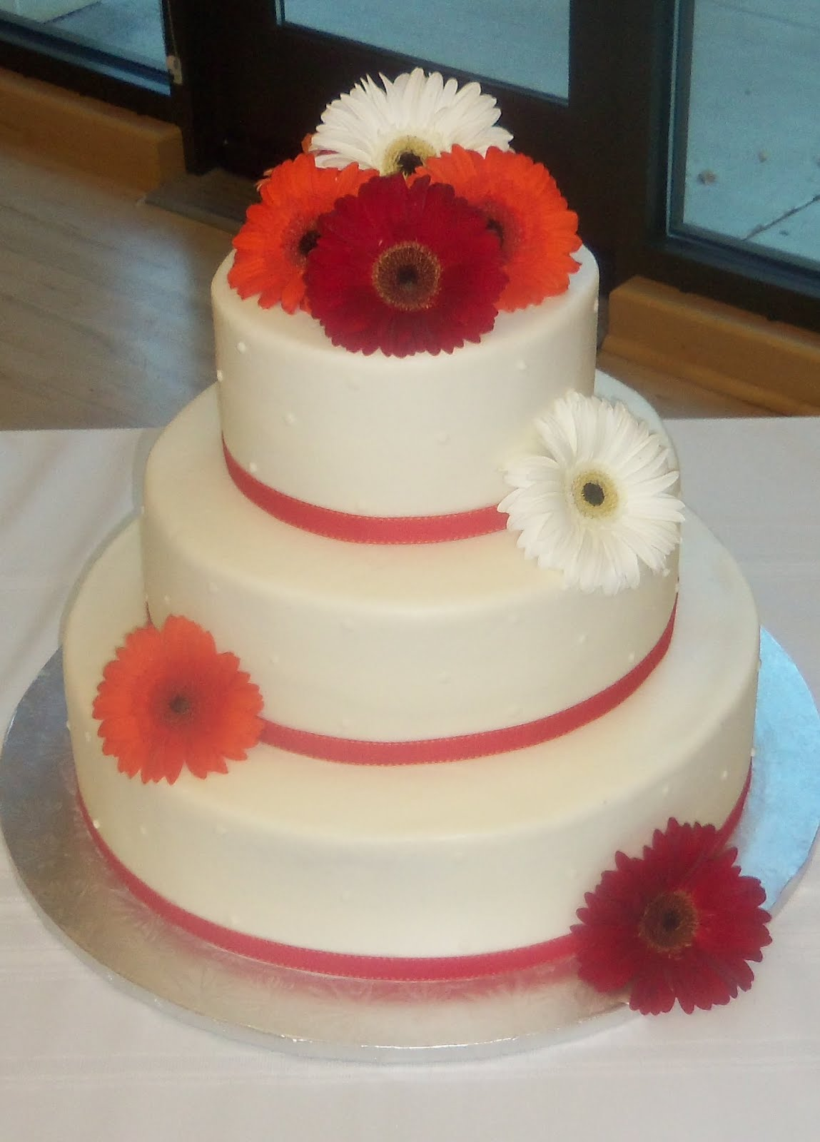 Pretty Sweet Wedding Cakes Made with buttercream