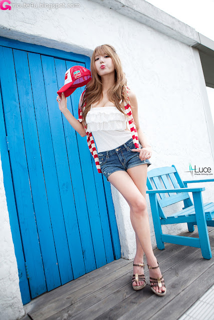 Heo-Yun-Mi-Red-White-and-Blue-17-very cute asian girl-girlcute4u.blogspot.com.