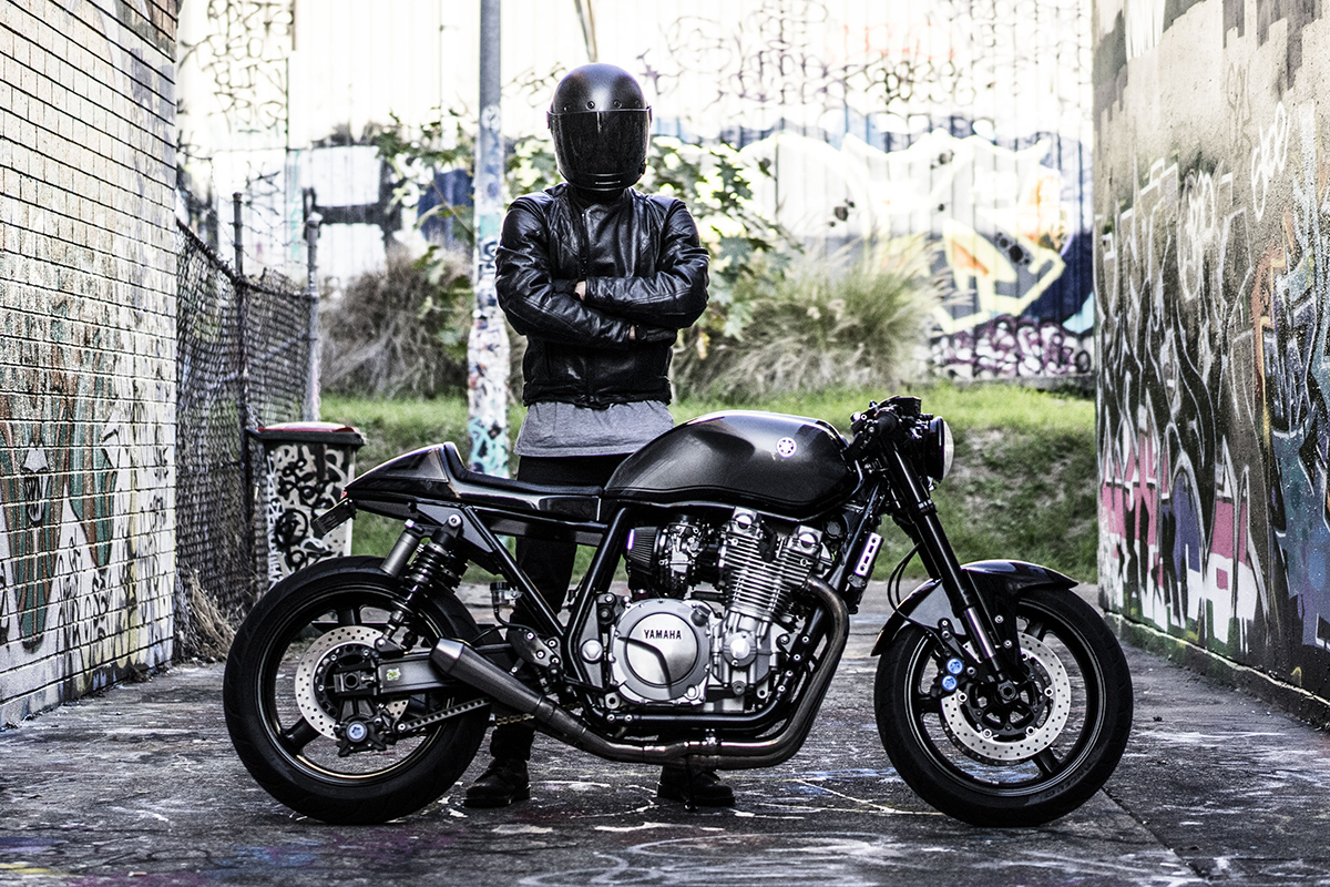 The brute jamie 39 s yamaha xjr1300 return of the cafe racers