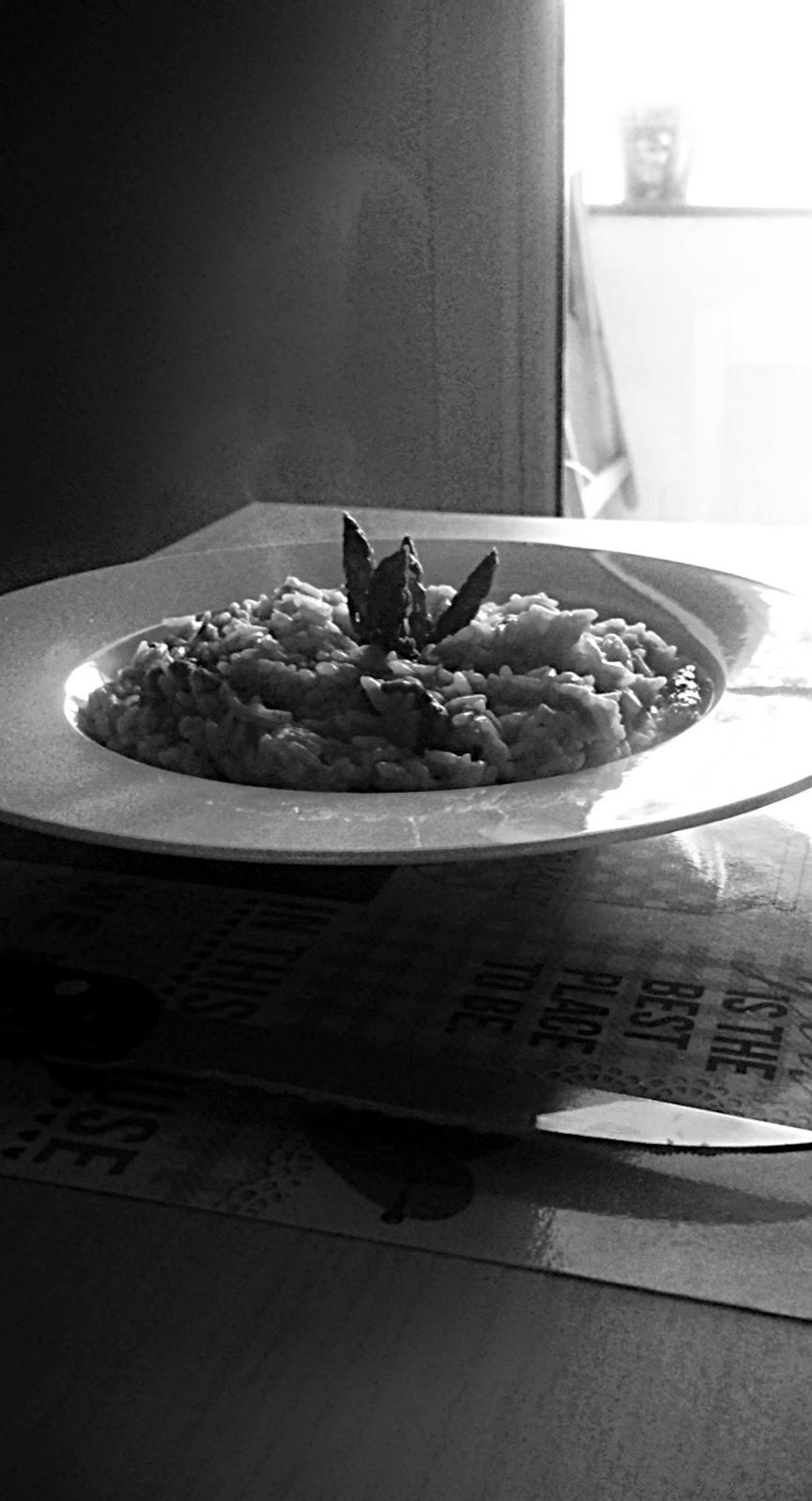 Risotto de ibéricos y trigueros al limón blanco y negro
