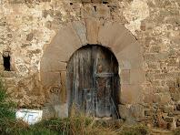 Detall del portal adovellat del Prat