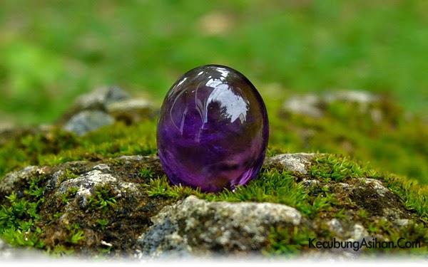Asal Batu kecubung wulung berasal dari Kalimantan,