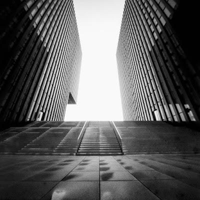 Medienhafen | Treppe zwischen Hafenspitze und Hyatt | Düsseldorf 2015