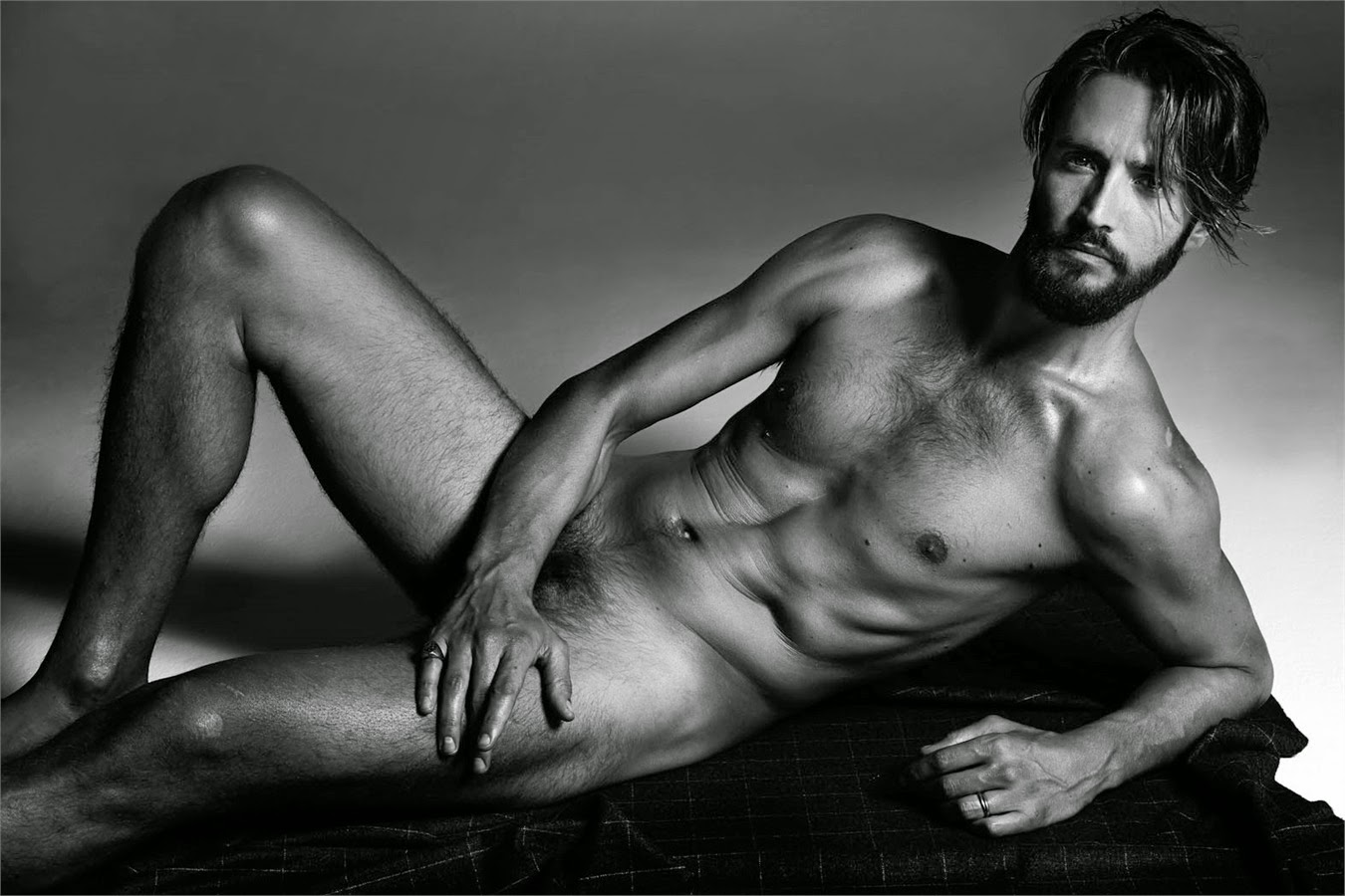 alex+belli+nudo