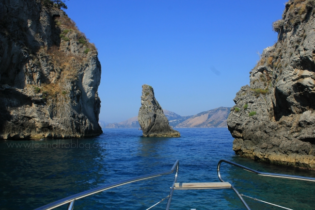 speed boat ride to Capri, Italy