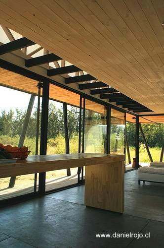 Arquitectura de casas casa rural moderna de madera con for Casa rural moderna