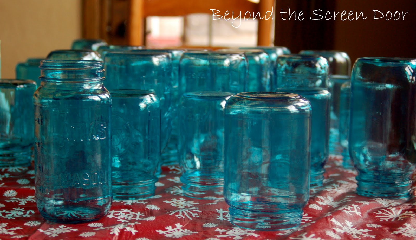 How to paint your own turquoise canning jars sonya for Pebeo vitrail glass paint instructions