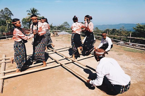 Kitorang Flobamora Folk Game Yang Tak Lekang Oleh Waktu