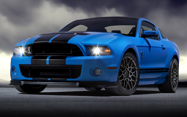 Ford Mustang Shelby GT500 Azul