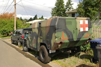 old parked cars 1987 am general humvee ambulance. Black Bedroom Furniture Sets. Home Design Ideas