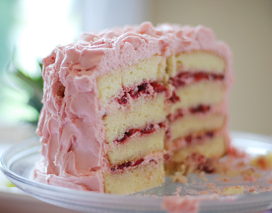 best strawberry cake filling