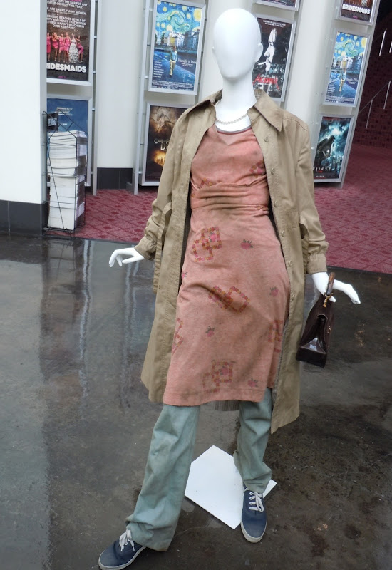 Elle Fanning Super 8 Alice film costume