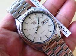 SEIKO 5 WHITE DIAL PART D - AUTOMATIC