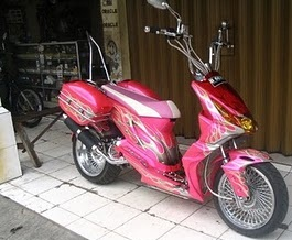 Modifikasi Honda Beat Airbrush Batik