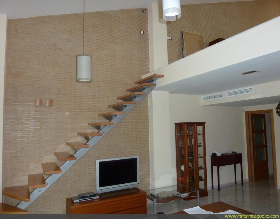 Reforma en un duplex con caravista y escalera reformas - Escaleras para duplex ...