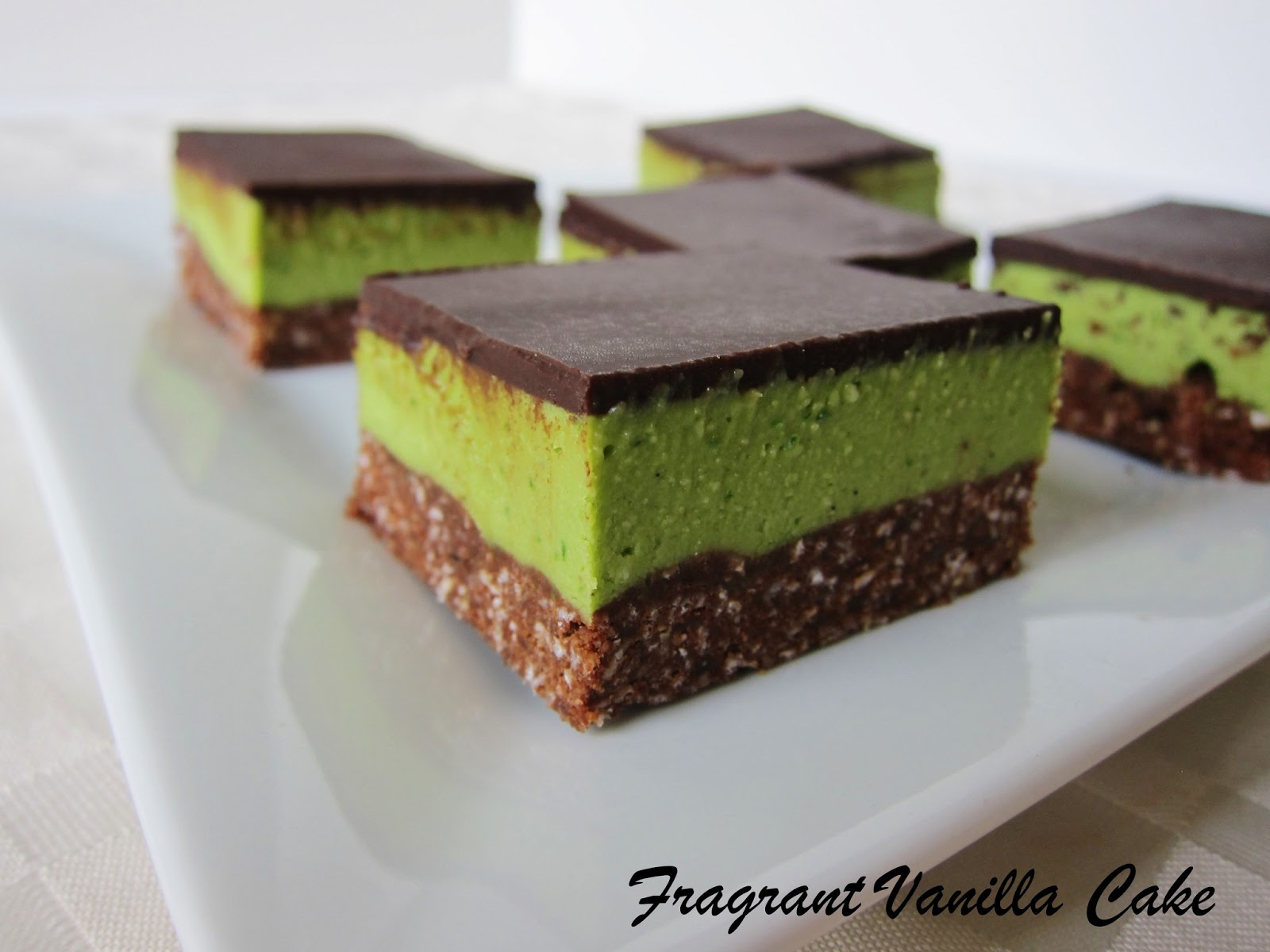 Raw Grasshopper Bars (chocolate mint bars)