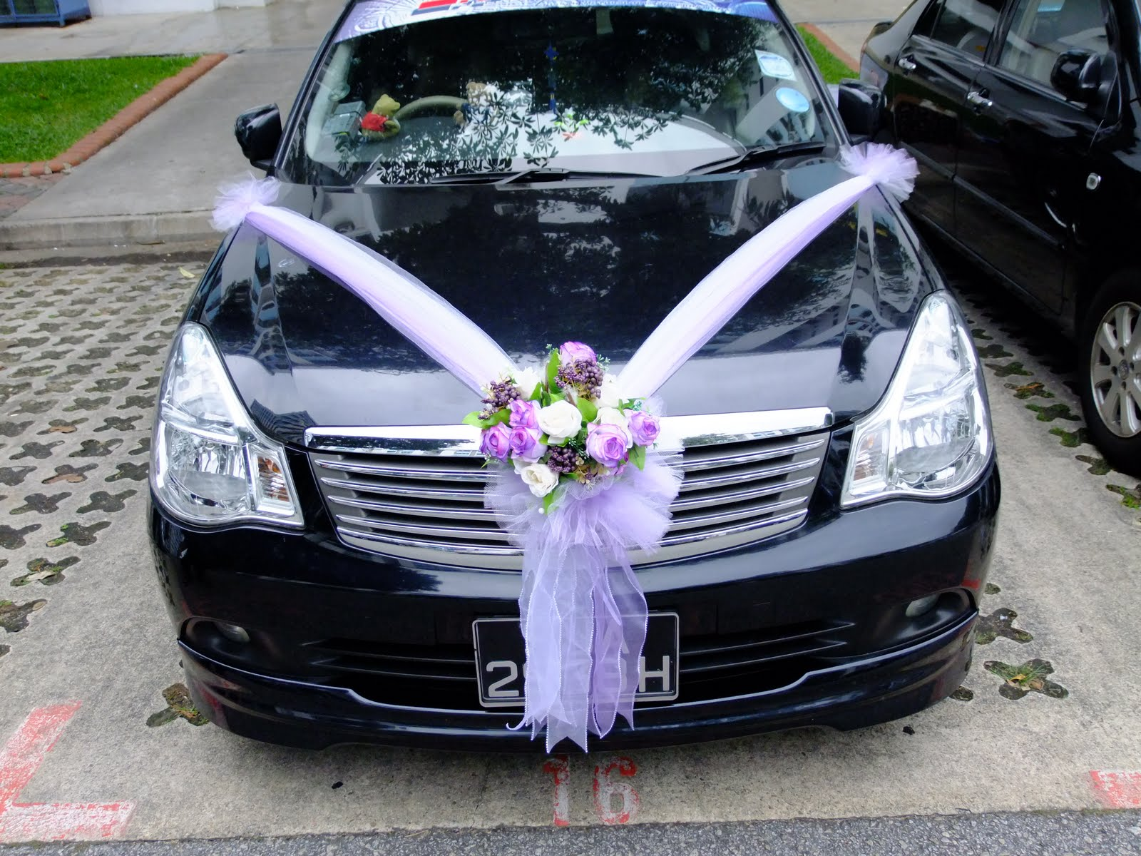 Wedding cars decoration romantic decoration for Automobile decoration