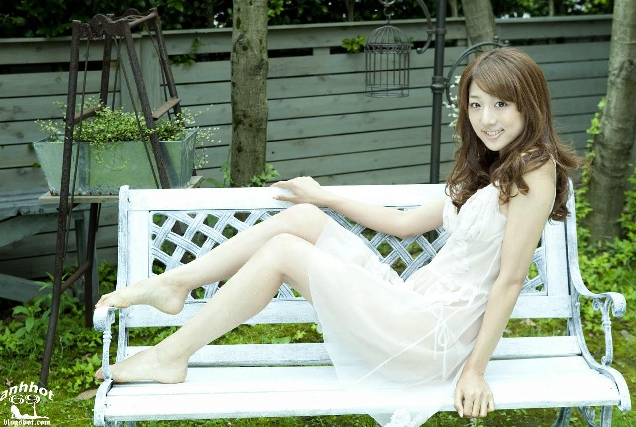 moyoko-sasaki-01425837