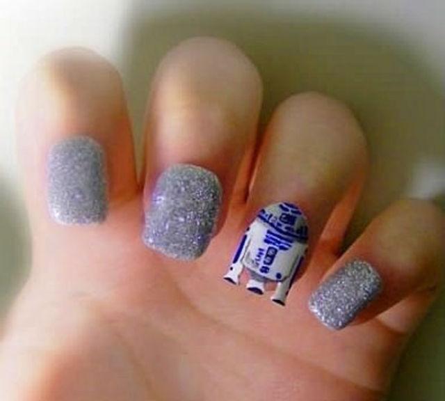 ... con Influencia de la cultura pop en diseños de uñas, muy originales