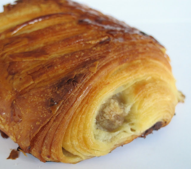 Boulangerie Du Pain et des Idées Paris - viennoiserie