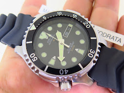 CITIZEN DIVER 200M BLACK DIAL LEFTY CROWN - AUTOMATIC