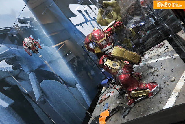 [Hot Toys] Avengers: Age of Ultron - Hulkbuster - Página 14 Hot-toys-sdcc-2015-166