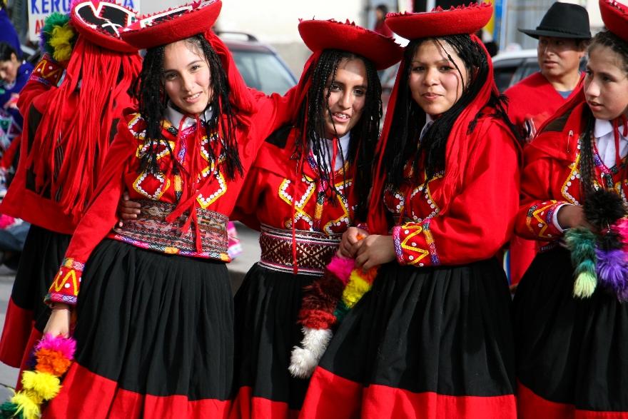 TRAJES TIPICOS DEL PERU Traditional Peruvian Dresses: Huayno del Cuzco
