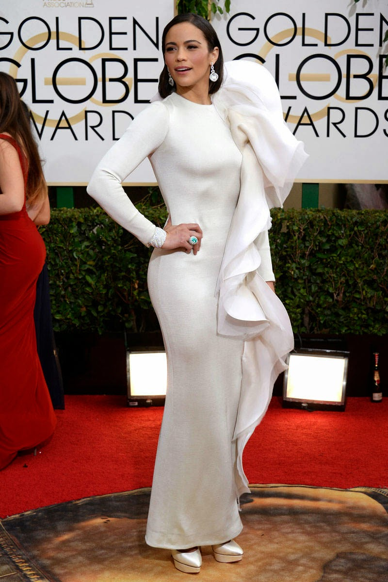 Paula Patton in a white modest full sleeve gown by Stephane Rolland Couture