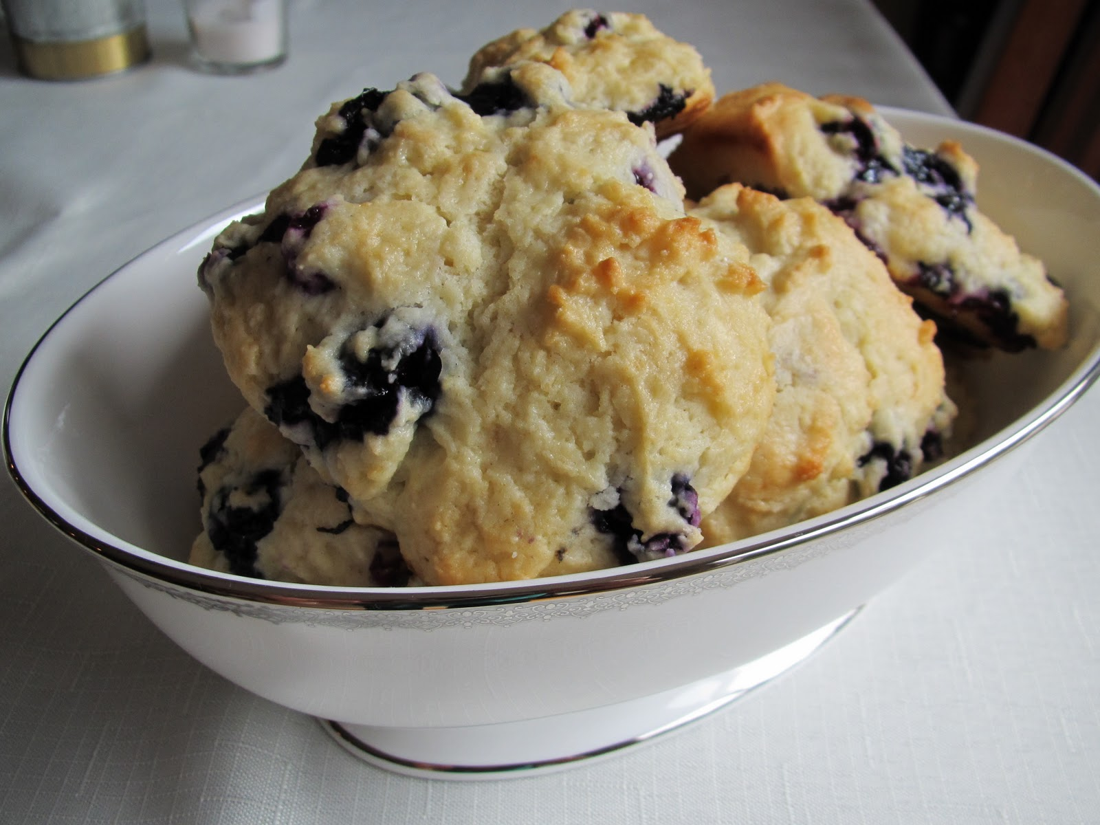 Pammi Cakes Recipes: Low-Fat Blueberry Scones Recipe