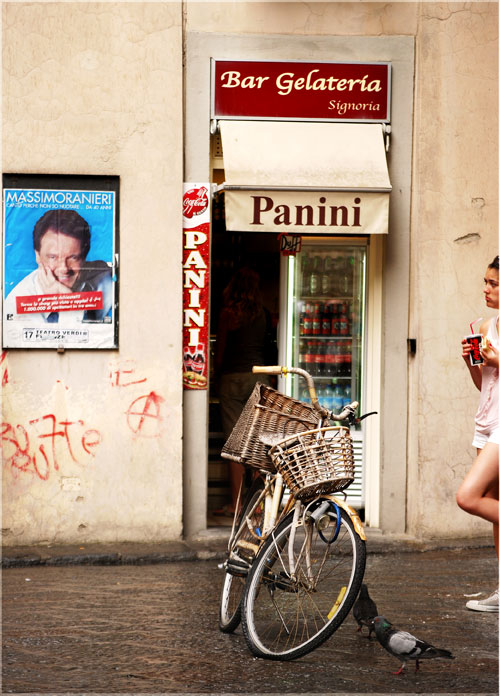 Psynopsis Bicycle in front of Panini Store Italy