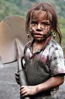 Foto de niña con su lampa