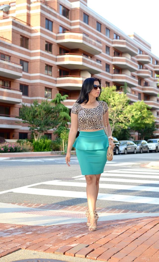 falda peplum verde- animal print- crop top- mariestilo