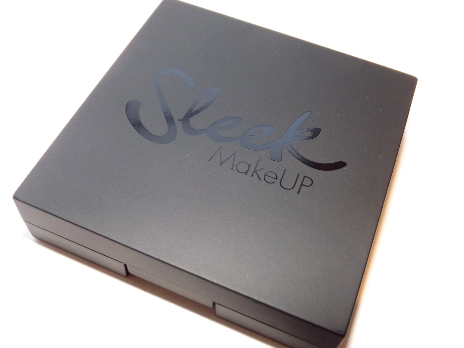 Stephanie Maverick: Sleek Brow Kit | Dark 818 | Review