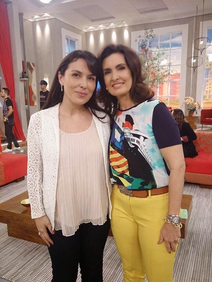 """Karen Terahata no programa """"Encontro com Fátima Bernardes"""". Assista!"""