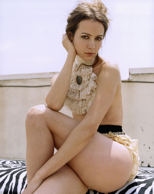 Sexy Actress Amy Acker