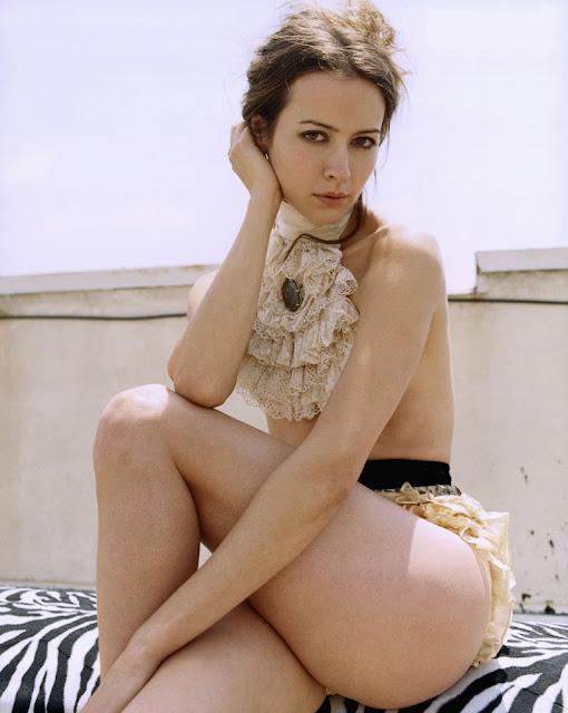 Sexy Actress Amy Acker