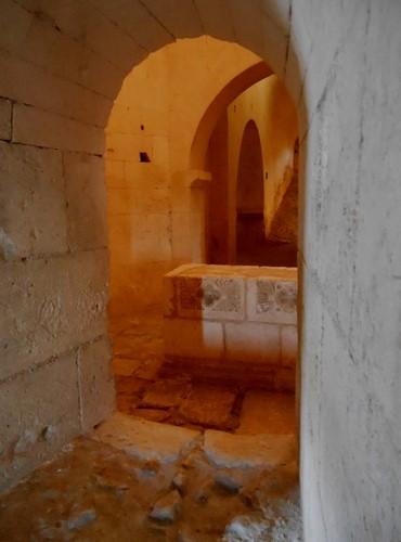 8 La Crypte - abbaye de Montmajour