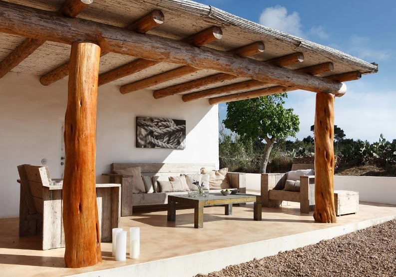 Decordemon rustic chic house in formentera by - Muebles para porche ...