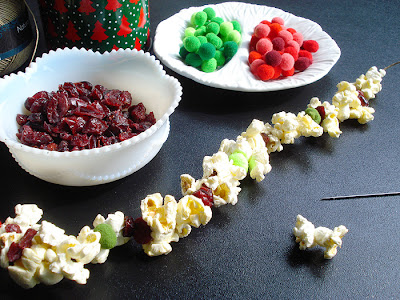DIY Popcorn and Cranberry Christmas Tree Garland Kit