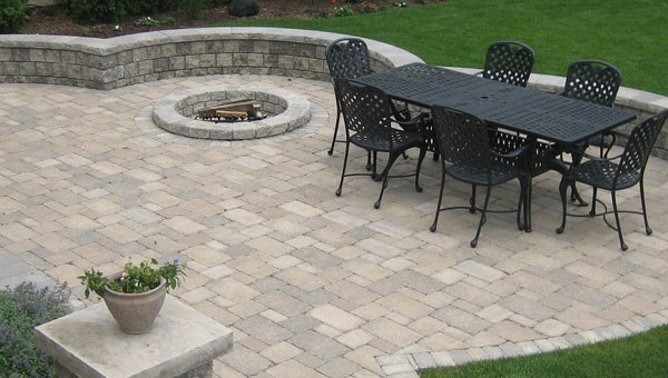 Garden Patio Design – Patio Paving With Natural Stone