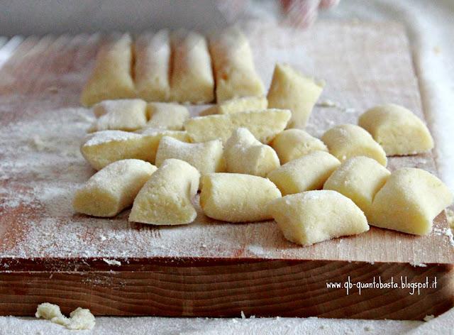 www.qb-quantobasta.blogspot.it - Gnocchi di Patate - Impasto base