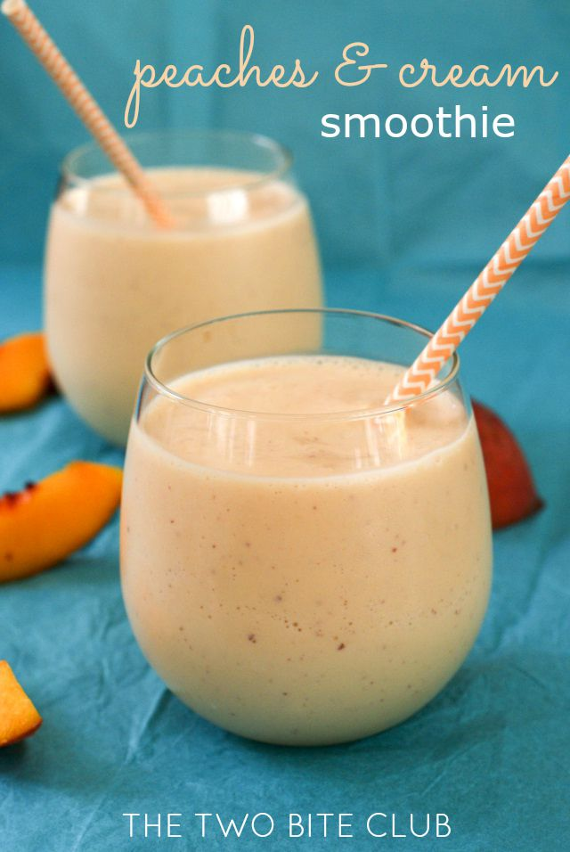 Peaches and Cream Smoothie | thetwobiteclub.com