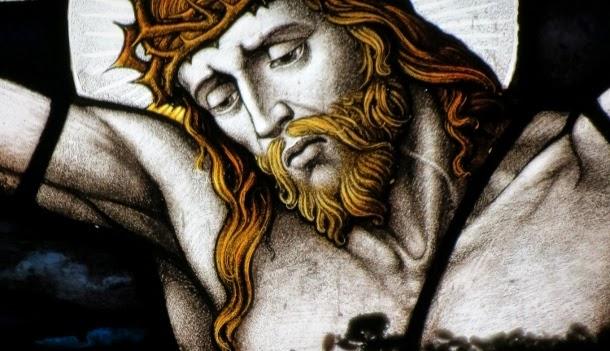 Ô Jésus, écartelé sur la croix, prière au pied de la Croix