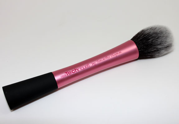Real-Techniques-Blush-Brush-3.jpg